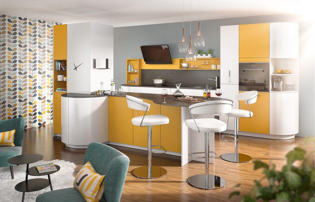 Une cuisine couleur soleil aventure d co for Couleur modern dans une cuisine amiens