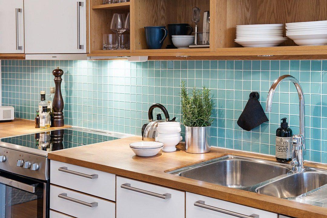 cuisine-credence-verte-decoration-appartement-aventuredeco