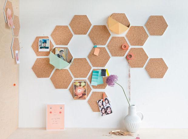L'Hexagone envahit la décoration de ce bureau pour une meilleure organisation