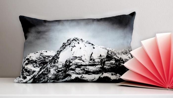 Coussins paysage montagne noir et blanc by Hejm