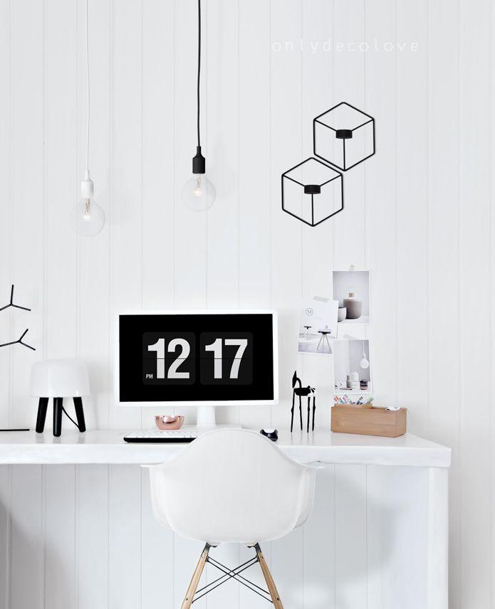espace bureau scandinave - baladeuses blanches et noirs - bougeoirs origami noir - chais eames
