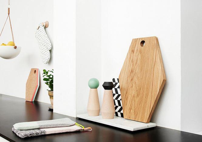 Cuisine accessoires OYOY - planches a découper - Accessoires de cuisine bois clair et couleur pastel