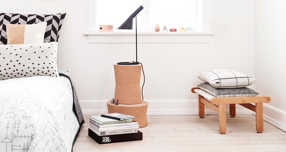 OYOY la touche danoise by Aventure Déco - table de chevet en liège - style scandinave - chambre