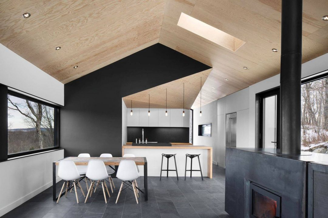 le noir envahit nos murs et nos parquets aventure d co. Black Bedroom Furniture Sets. Home Design Ideas