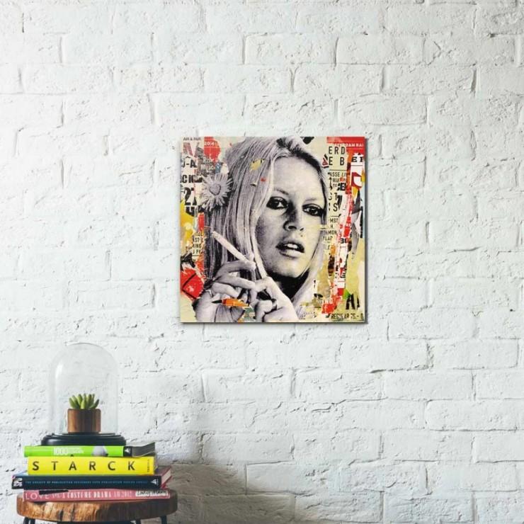 TABLEAU BRIGITTE IS SMOKING HOT Par l'artiste Michiel Folkers, Amsterdam - Pays bas