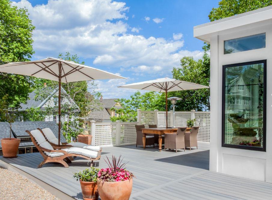 Une terrasse pour cette jolie maison by Melissa Miranda