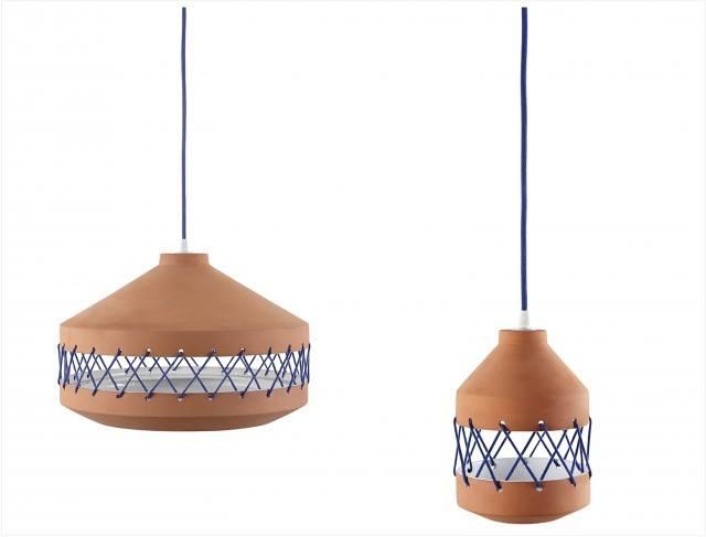 suspensions-tie-terre-cuite-design-laura-marin-incipit-luminaire-bi-matiere-cordon-electrisue-bleu