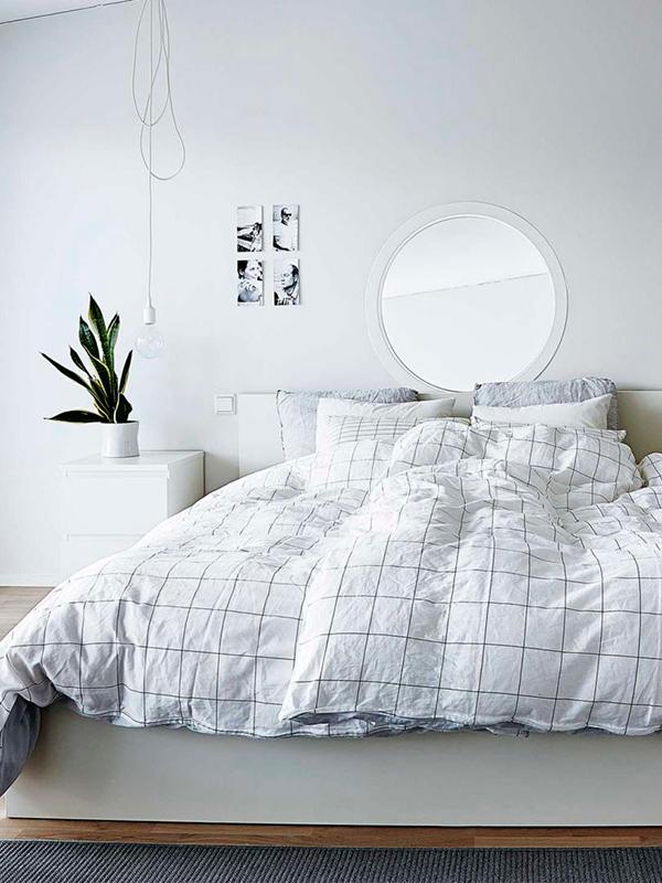 linge-de-lit-motif-grid-chambre-tendance-scandinave-baladeuse-miroir-monochrome