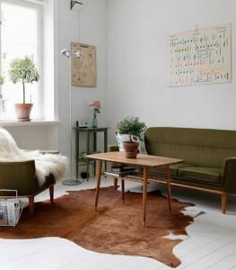sejour-salon-vintage-canape-vert-peau-sol-brocantelab-