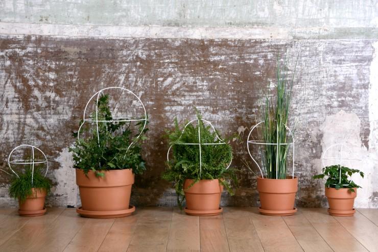 pot-defleurs-outline -eno-studio-plantes-vertes-tuteur-terre-cuite