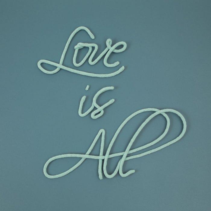 Love is all – Le petit florilège