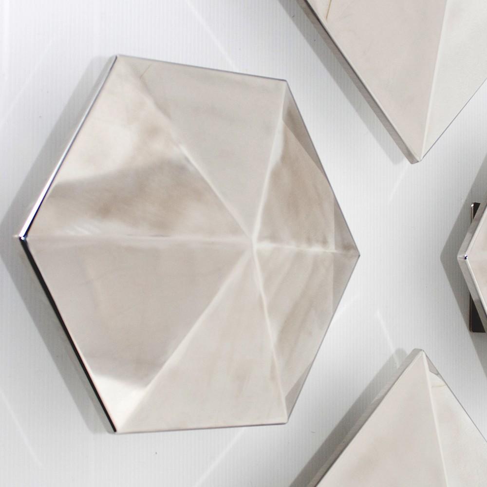 Appliques murales grises de forme hexagonale