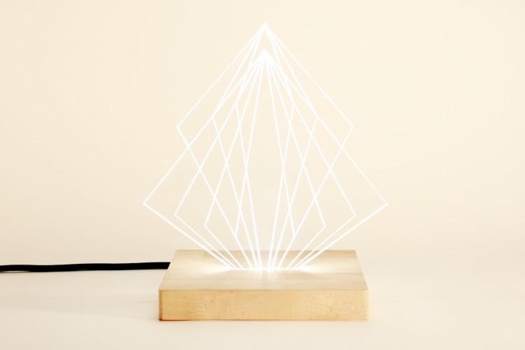 lampe à poser sculpture avec socle en bois