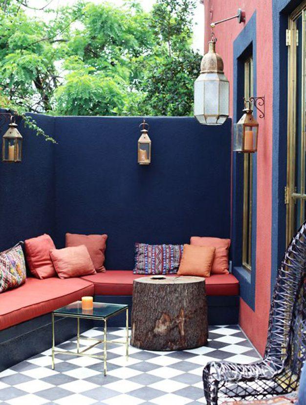 Terrasse aux couleurs chaudes et au style boheme