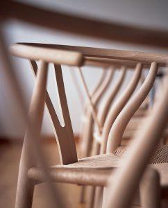 Détails de la chaise Whisbone de Hans J. Wegner