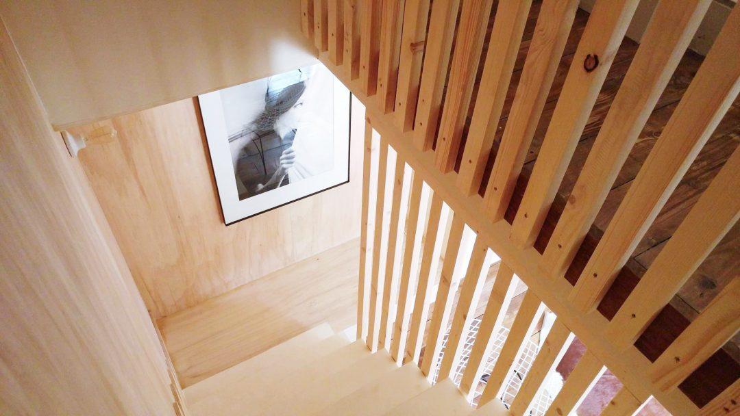 escalier-chez-laurence-du-tilly-caen-bois-scandinave