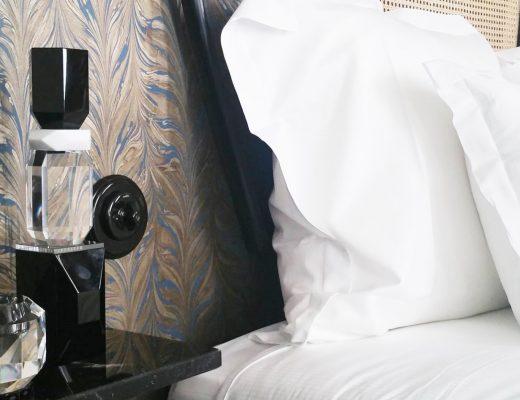 reflextions-vase-cristal-noir-hotel-panache-aventuredeco