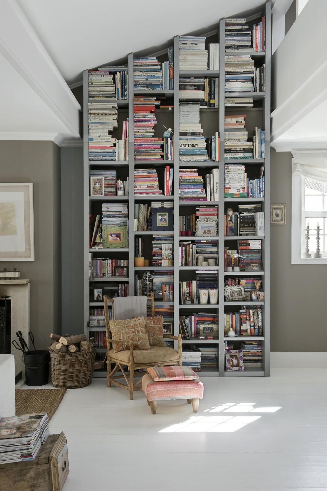 ces jolies biblioth ques aventure d co. Black Bedroom Furniture Sets. Home Design Ideas