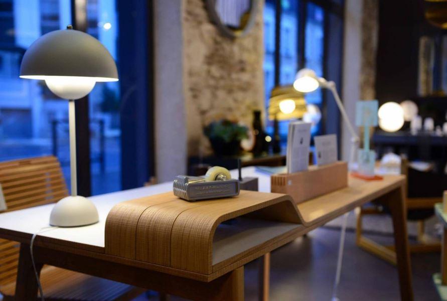 Joli bureau en bois découvert chez Alibabette à Nantes