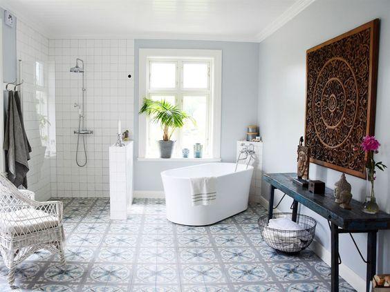Une baignoire lot dans ma salle de bain aventure d co for Baignoire ilot ceramique