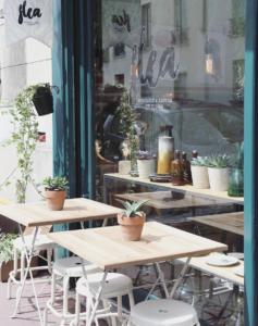 Café boutique Flea, au marché aux puces de Saint-Ouen par Tom et Léa