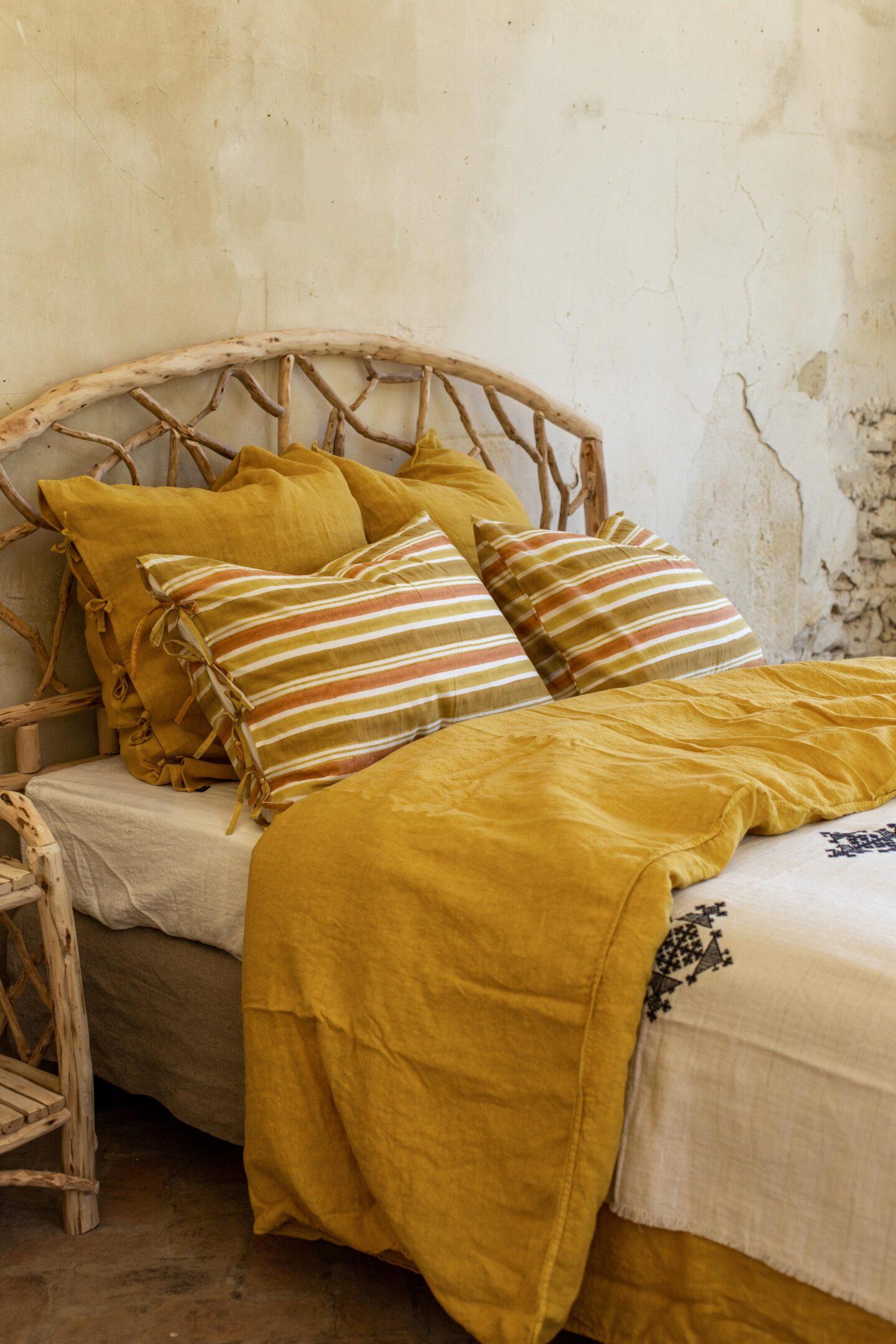 tête-de-lit-decoration-peinture-papier-peint-rotin