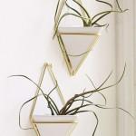 pot-fleur-suspendue-ceramique-laiton